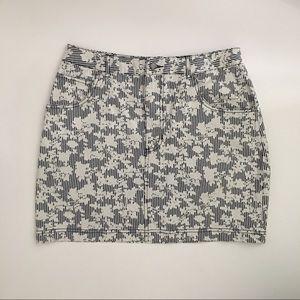 BDG Floral Skirt Sz 10